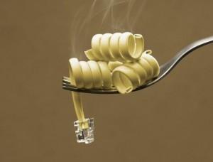 Un cable humeado imitando un tortelini de pasta