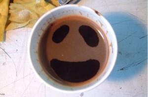 Taza de café con una sonrisa