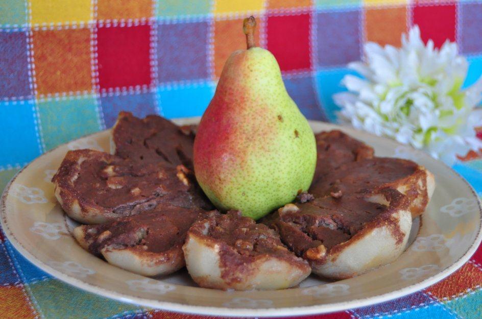 Peras con chocolate al horno
