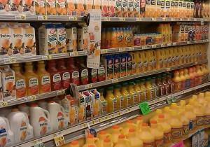 Marcas de zumo de naranja en un supermercado