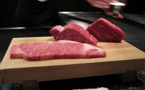 Carne de Kobe a punto de ser cocinada