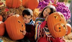 Niños durante la fiesta de Halloween