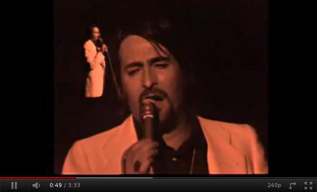 """Captura del vídeo de la canción """"América, América"""" de Nino Bravo."""