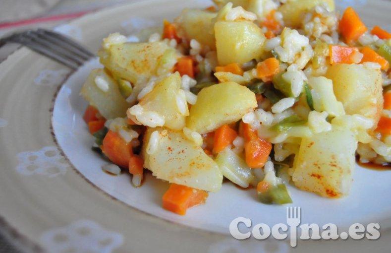 Arroz con ajetes y patatas
