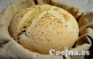 Pan de miel con sésamo (pan chapata)