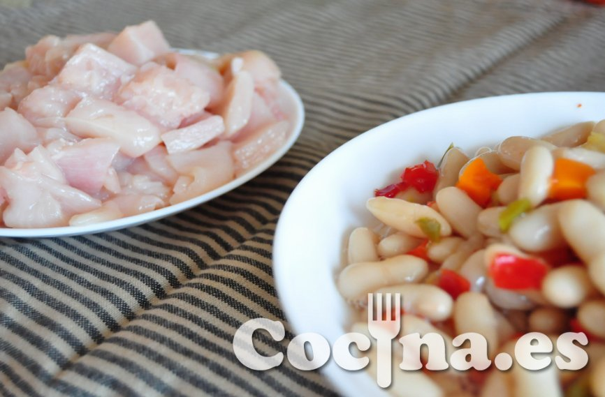 Alubias con pollo. Ingredientes.