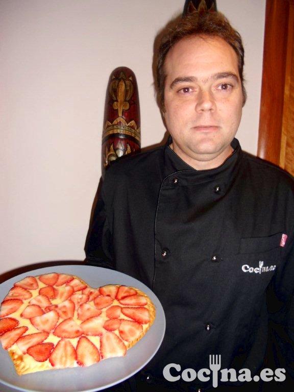 Luis Alberto Prat Maldonado, el Tabaler Petit, con la casaca de cocinero de Cocina.es