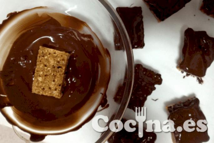 Barritas energéticas de avena con chocolate