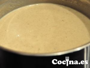 Crema de champiñones: triturado y reposo en cazuela