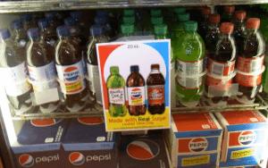 Botellas de Pepsi en un refrigerador