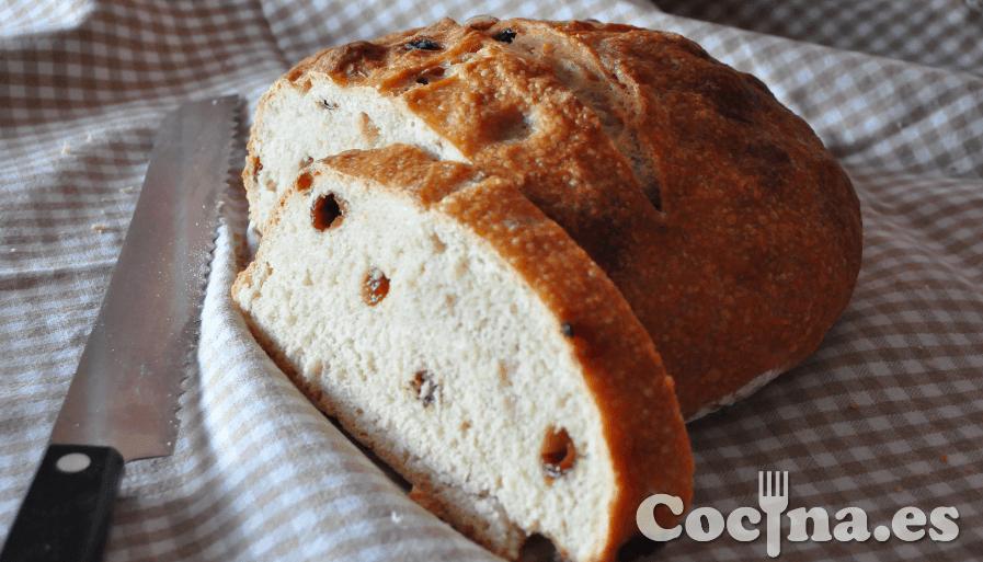 Rebanada de pan con pasas