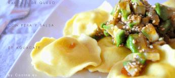 Raviolis con salsa de aguacate