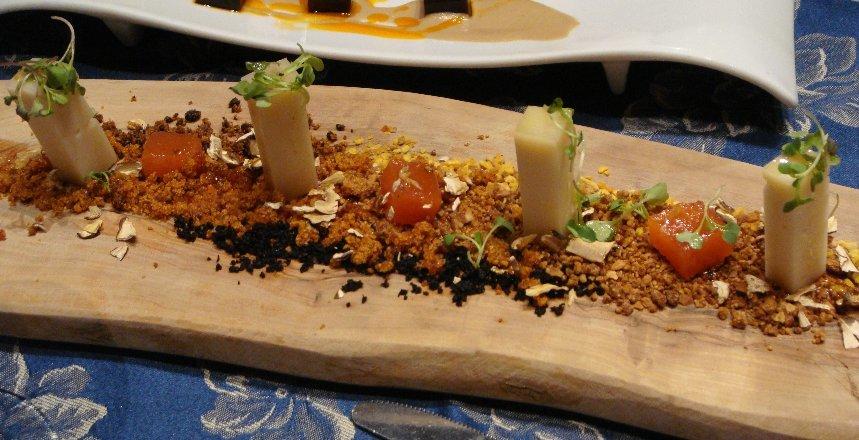 Tierra de frutos de la dehesa, chutney de zamboa y Queso Ibores, de José Manuel Galán