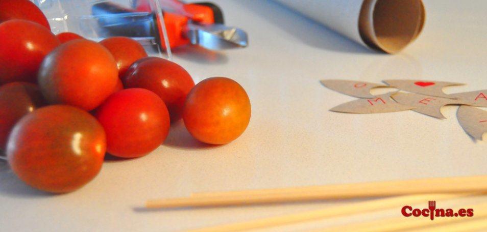 Material necesario para hacer corazones con tomate cherry