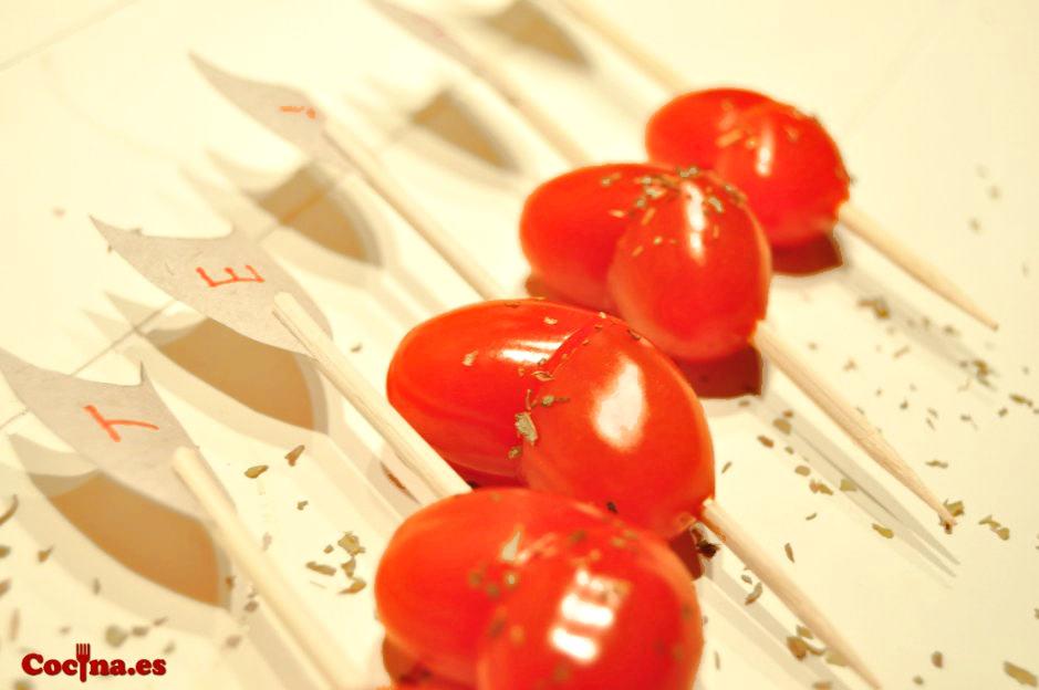 Corazones con tomates cherry para San Valentín