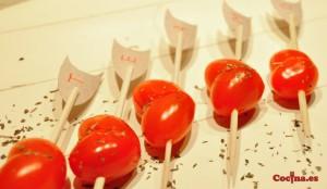 Corazones con tomatitos cherry