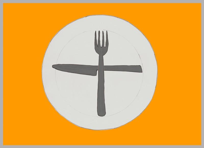 Lo cubiertos en forma de cruz, con el cuchillo en horizontal y el tenedor en vertical.