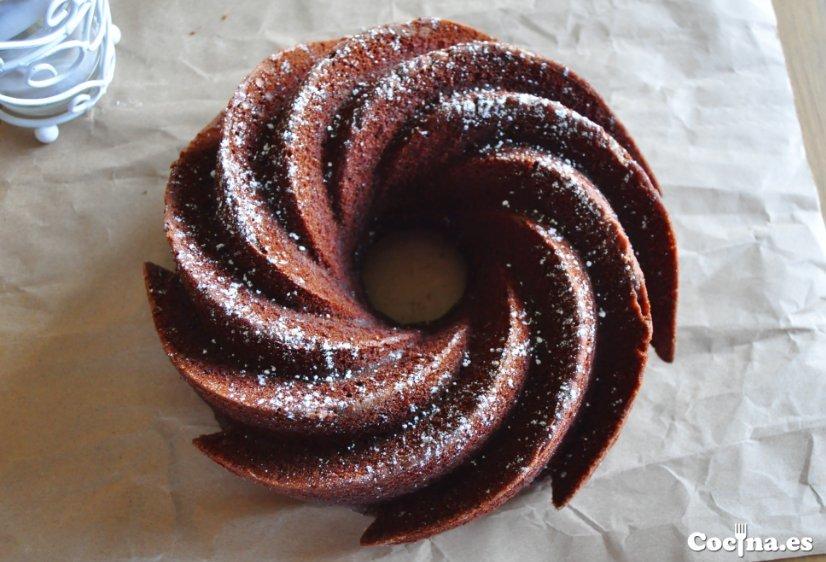 Bizcocho de chocolate, naranja y hierbabuena