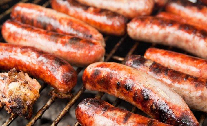 Salchichas, carne procesada, cáncer
