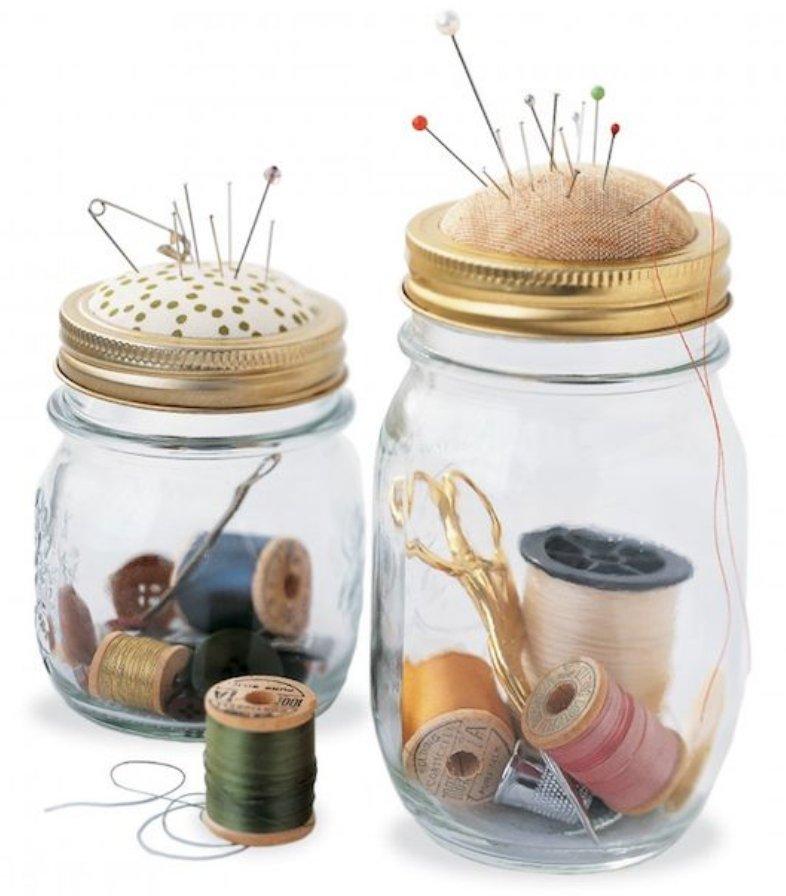 Kit de costura con frascos de vidrio reciclados