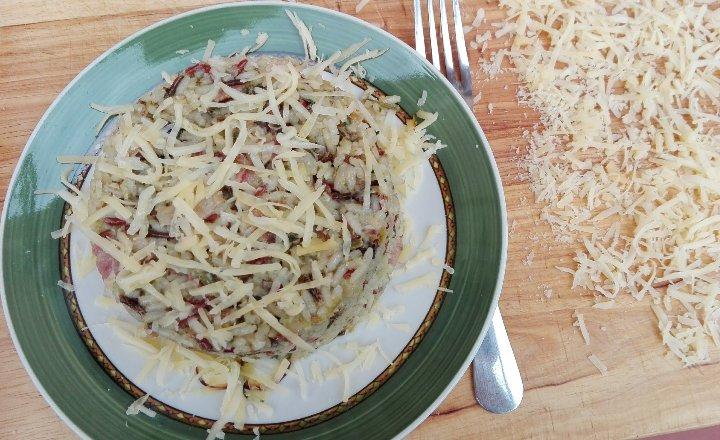 arroz con bacon, acelgas y gruyer