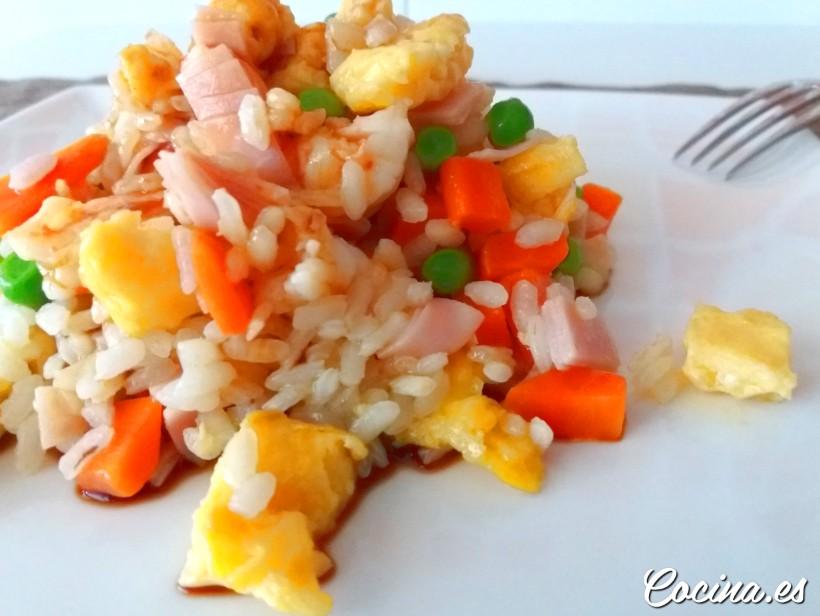 Cómo hacer arroz tres delicias casero