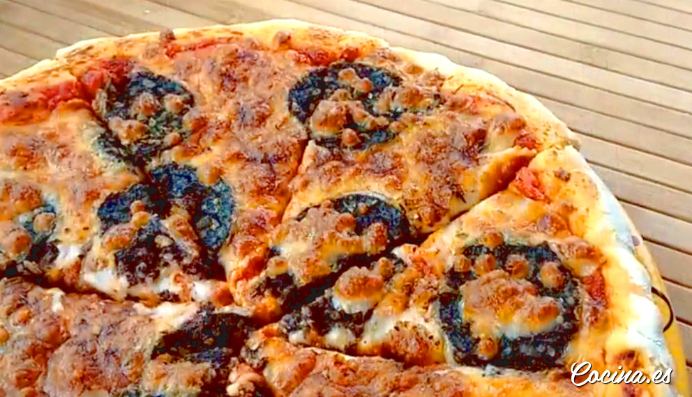 Cómo hacer pizzas caseras esponjosas y fáciles