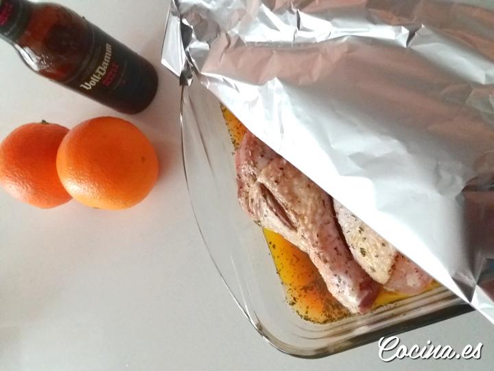 Cómo hacer pollo a la cerveza al horno con patatas