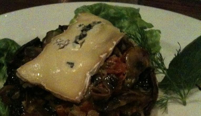 champiñones con queso brie