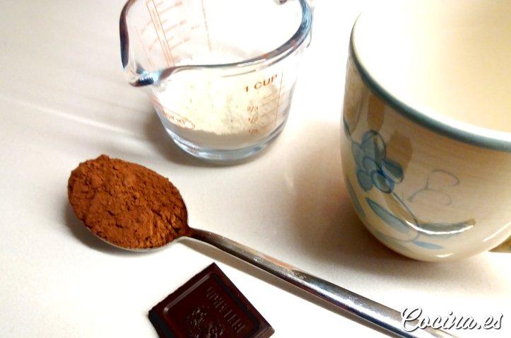 Ingredientes para hacer Mug Cake de Chocolate a la Taza